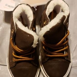 Brown boys casual boots - NWT